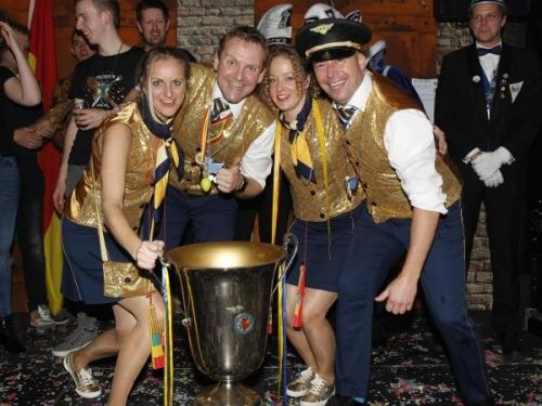 Alaaf Airlines winnaar liedjesaovend  Dörper Kuus